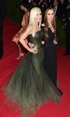 Donatella Versace ja Allegra Versace