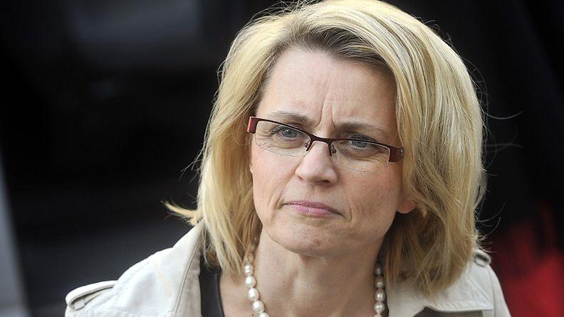 Kristillisdemokraattien puheenjohtaja Päivi Räsänen saapui jatkamaan hallitusneuvotteluja Säätytalolle Helsingissä 25. toukokuuta 2011.