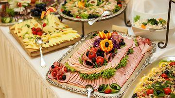 Tarjoilu,-juhla,-voileipäkakku
