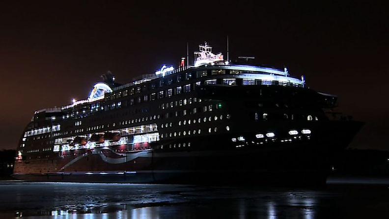 Viking Grace lähti neitsytmatkalleen 13.1.2013