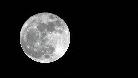 Earth Hour -tempaus pyrkii herättämään ihmisiä ilmastoasioihin.