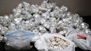 Hallituksen agentit pysäyttivät 11 miljoonan dollarin arvoisen heroiinilastin viikko sitten.