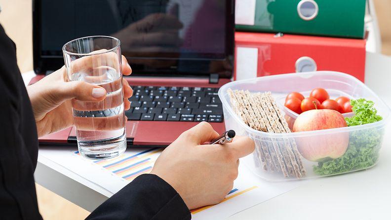 lounas,-työpöytä, eväät