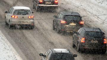 Talviliikennettä Helsingissä keskiviikkona 30. tammikuuta 2013.