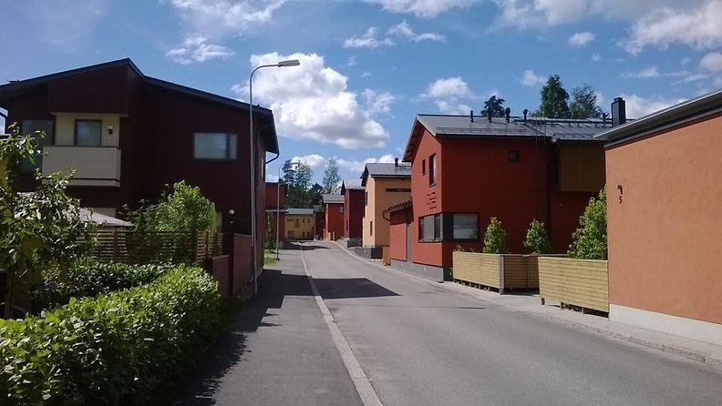 omakotitaloaluetta Helsingin Maunulassa