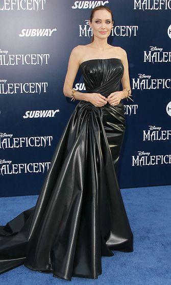 Angelina Jolie, Pahatar (1)