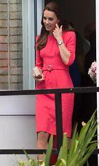 kate middleton-punainen mekko