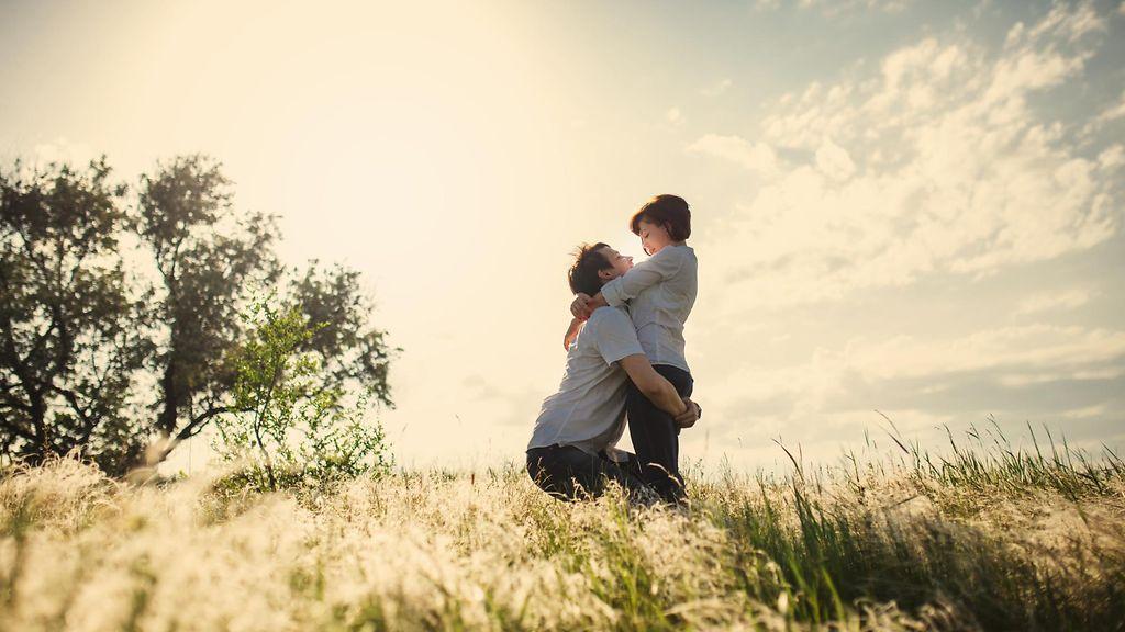 Suku puoli videoita romantiikkaa