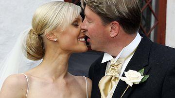 Vanessa ja Jari Kurri hääpäivänään vuonna 2004. (1)