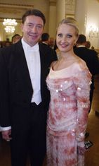 Jari Kurri ja Vanessa Forsman Linnan juhlissa 2002.
