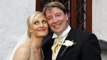 Vanessa ja Jari Kurri häissään kesällä 2004.