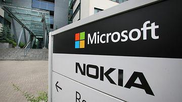 Microsoftin ja Nokian kyltit Technopolis Peltolassa Oulussa 16. heinäkuuta 2014.