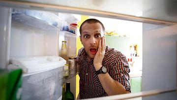 tyhjä jääkaappi