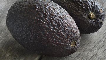 avocado_kokonainen