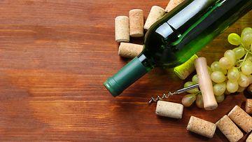 Viinipullo, korkit