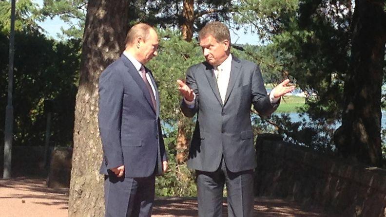 Putin ja Niinistö keskustelivat Kultarannassa 25. kesäkuuta 2013.