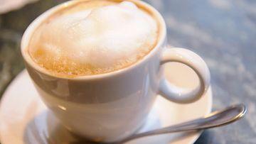 Kahvikupin hinta uhkaa taas kallistua Suomessa.