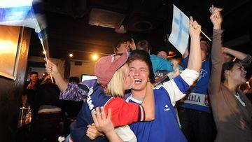 Kuudentoista vuoden odotus on ohi. Suomi on jääkiekon maailmanmestari vuosimallia 2011!