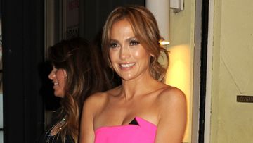 Jennifer-Lopez,-up-do