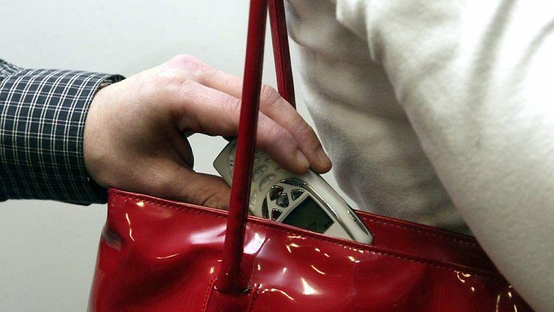 Poliisin mukaan taskuvarkaat ovat entistä taitavampia.