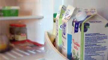 Ruokaa jääkaapissa. Kuvituskuvaa.
