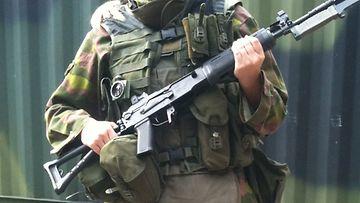 Sotilaalle vakavat vammat ammunnoissa – p�iv�sakot kahdelle