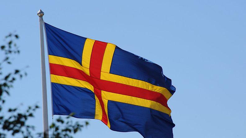 Ahvenanmaan lippu. Kuva: Lehtikuva