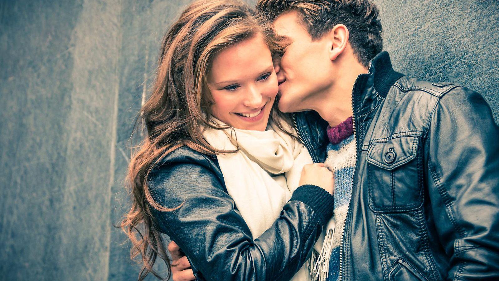 Mitä vikaa dating nuorempi mies