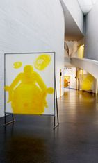 Nina Roos: Lost in Yellow (2000) Kuva: Kiasma