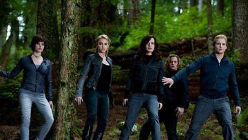 Twilight – Epäilys päättää Stephenie Meyerin luomana kirjasarjanakin tunnetun vampyyrisarjan.