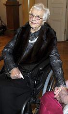 Presidentti Sauli Niinistön äiti, rouva Niinistö .