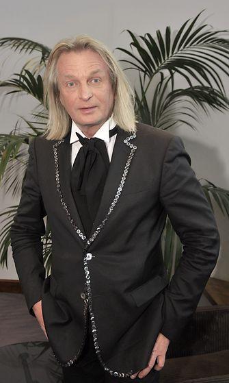 Jukka Rintala vastaanotti erityistunnustuspalkinnon pitkästä ja uusiutuvasta taiteilijatyöstä Helsingissä 19. lokakuuta 2012.