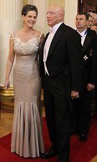 Yhdysvaltain suurlähettiläs Bruce Oreck vaimonsa kanssa.