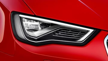 Audin led-valoteknologiaan perustuva ajovalo.