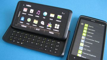 Nokia E7 Symbian ja Windows Phone 7 rinnakkain