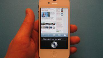 Apple iPhone 4S ja Siri-puheentunnistus. Kuva: Jari Heikkilä