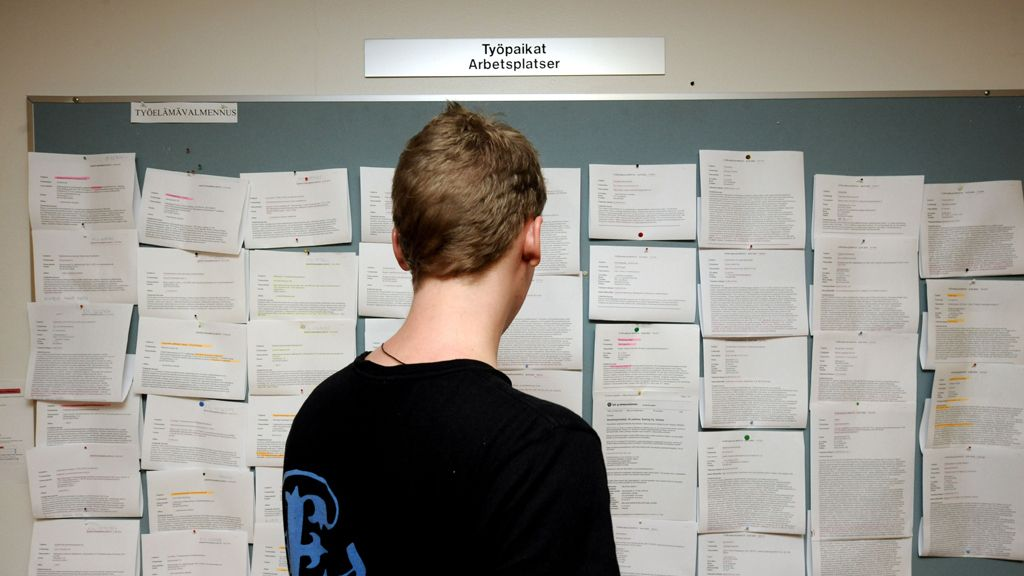 UPM käynnistää Työstä työhön -ohjelman Kajaanissa ja Valkeakoskella