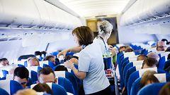 Finnair  ulkoistaa ja lomauttaa v�ke�