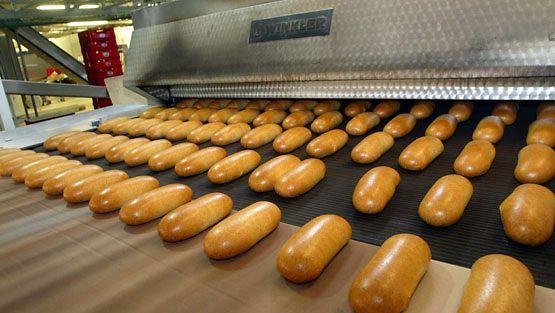 Vaasan Kotkan leipomon työntekijät ovat marssineet tänään ulos työpaikoiltaan.