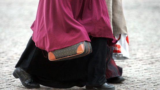 Somalialaisia naisia kadulla. (Lehtikuva)
