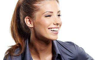 nainen, hymy, kauluspaita, työelämä