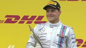 Valtteri Bottas Itävallan GP:n palkintokorokkeella