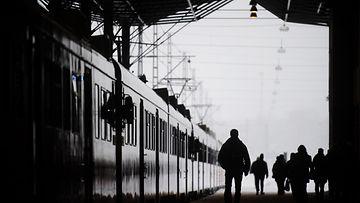 Lähijuna Helsingin rautatieasemalla