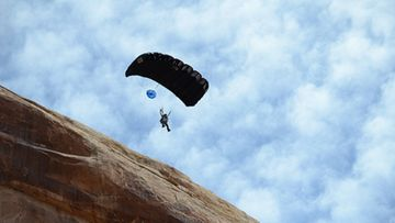 base_jumper_by_ecodude_photos