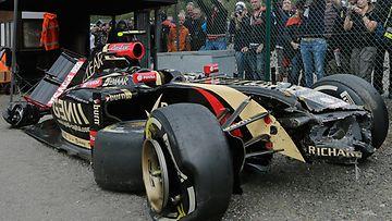 Pastor Maldonadon Lotus-auto ulosajon jälkeen