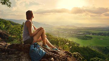 nainen,-vuorella,-näkymä
