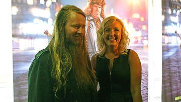 Perankoski-Jouni Hynynen ja Mari Perankoski Mielensäpahoittaja-elokuvan kutsuvierasensi-illassa 02.09.2014.