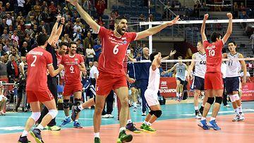 Iranilla loistoalku MM-lentiksess� – nyt kaatui USA
