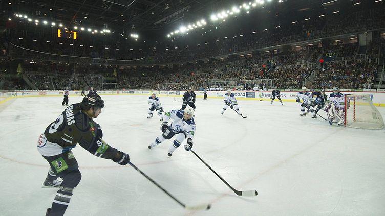 VIDEO: Miksi Ven�j�n valtio tukee tappiollista KHL:��?
