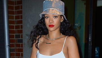 Rihanna-nenälävistys